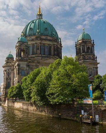 Mietbus in Berlin gesucht?