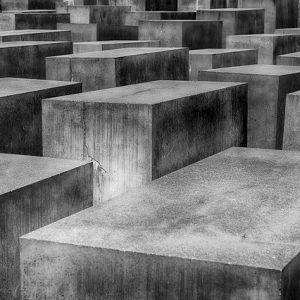 Vereinsmannschaften am Holocaust Denkmal